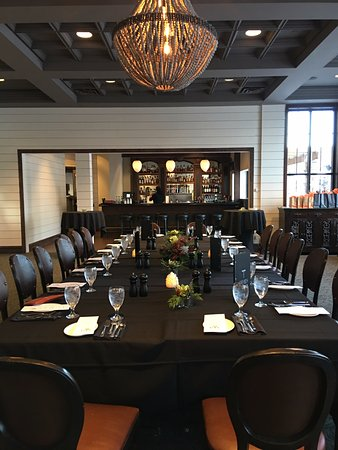 Apple Valley, MN: Private dining space with bar