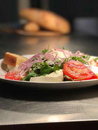 Great Dunmow, UK: Season Salad