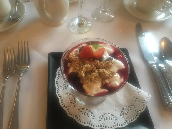 Draycott in the Clay, UK: Berry Parfait to die for!!