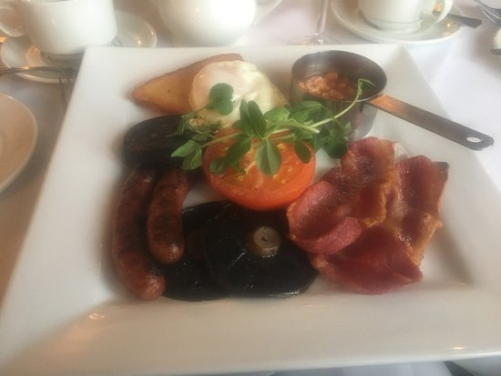 Draycott in the Clay, UK: A Traditional Hearty Breakfast