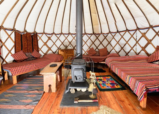Cwmduad, UK: Inside the Bentwood Yurt