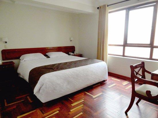 Emperador Plaza Hotel