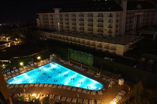 Delphin Imperial Hotel Lara: That is heated and a nice temperature..in the water