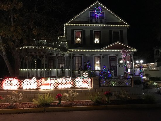 The Cedar House Inn: photo1.jpg