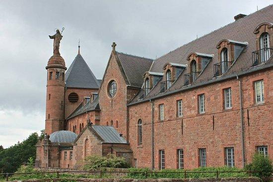 Hostellerie Du Mont Sainte-Odile: Das Kloster von aussen