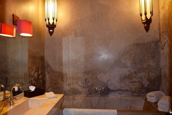Riad Dar One: Our bathroom