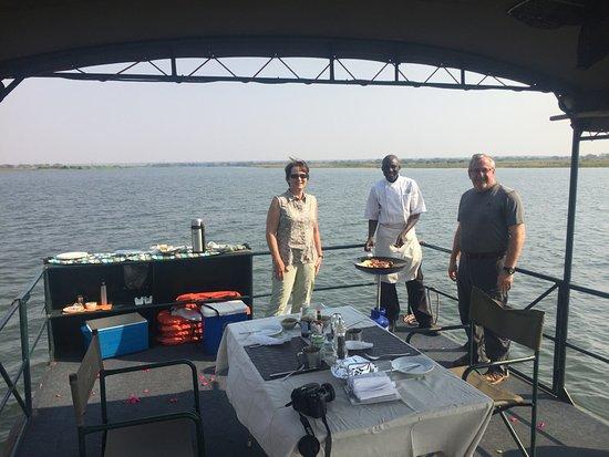 Imbabala Zambezi Safari Lodge: Breakfast on the Zambezi River