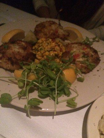 Brett Favre's Steakhouse: CRAB CAKES DINNER