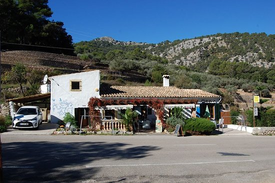 Bunyola, Spain: Cafe in the mountain