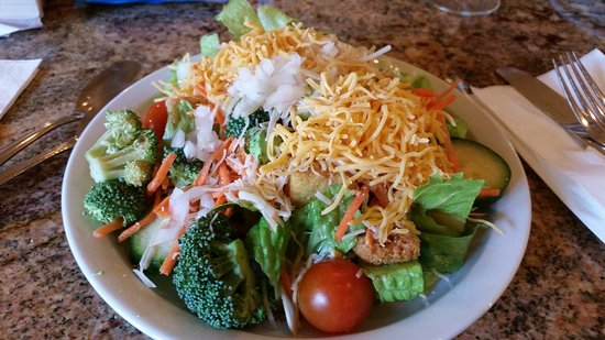 Homewood Suites by Hilton San Diego-Del Mar: Another salad at evening social