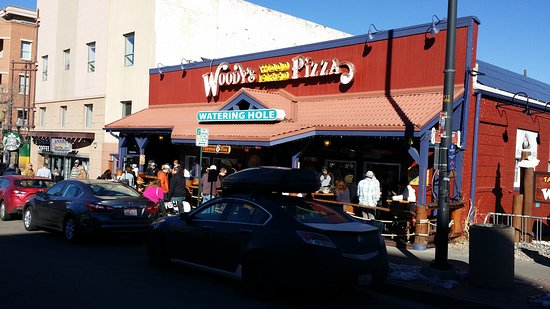 Woody's Woodfired Pizza : Eat here!