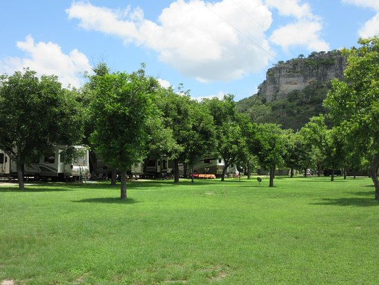 Seven Bluff Cabins On The Frio Concan Tx Campingplads