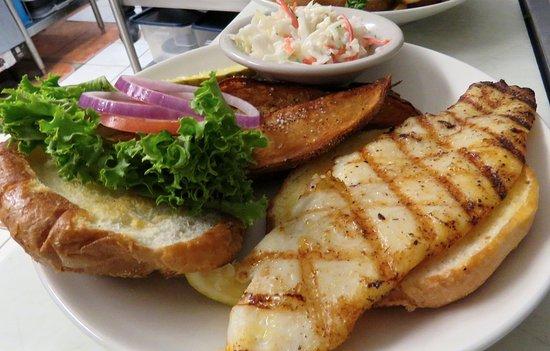 Swansboro, Carolina del Norte: The Grandwich grilled.