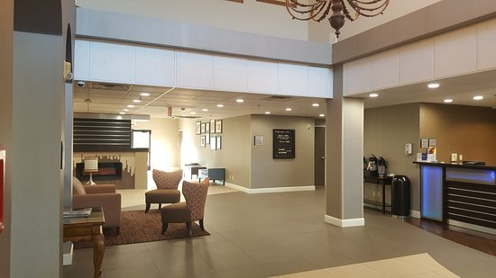 Oakley, CA: Guest Lobby Area
