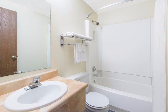 Buffalo, WY: Bathroom