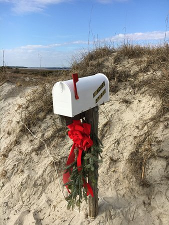 Sunset Beach, NC: Dress in holiday cheer