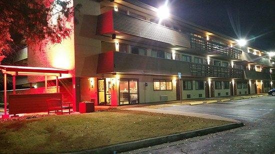 Red Roof Plus+ Atlanta - Buckhead: TA_IMG_20161228_181412_large.jpg