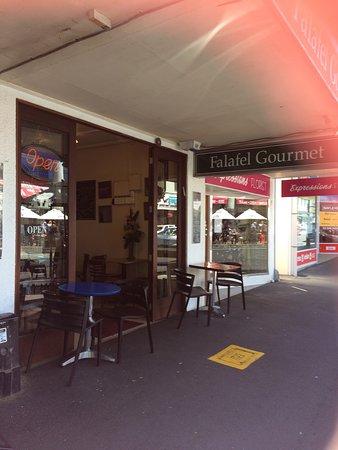 Falafel Gourmet Cafe: photo0.jpg