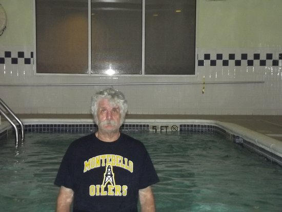 SpringHill Suites Mystic Waterford: indoor pool was nice when its about 30 plus outside