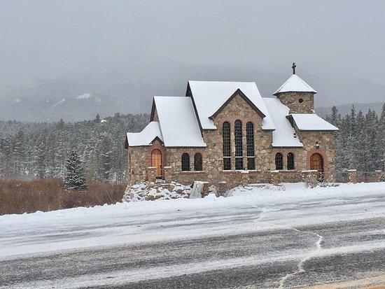 Allenspark, Colorado: Chapel on the Rock in December