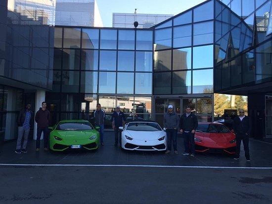 Emilia-Romagna, Italia: The guys at the Lamborghini Factory!