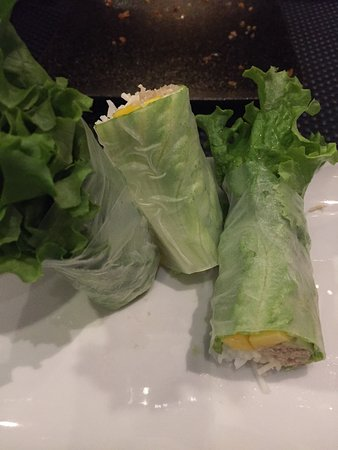 Los Gatos, Kaliforniya: Crab and avocado egg rolls