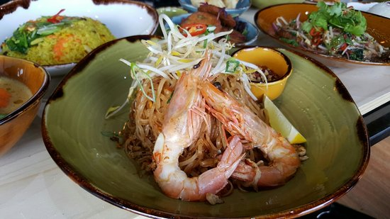 Burwood, Australië: Pad Thai with king prawn