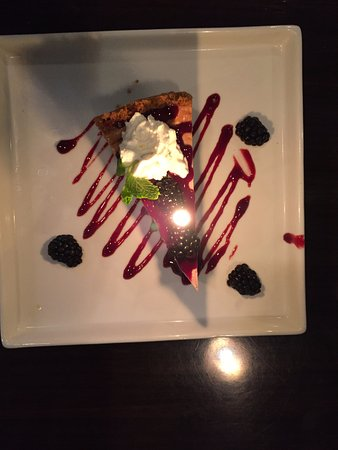Arroyo Grande, CA: Blackberry Cheesecake