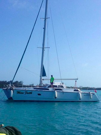 Xsite Belize Sailing & Adventures