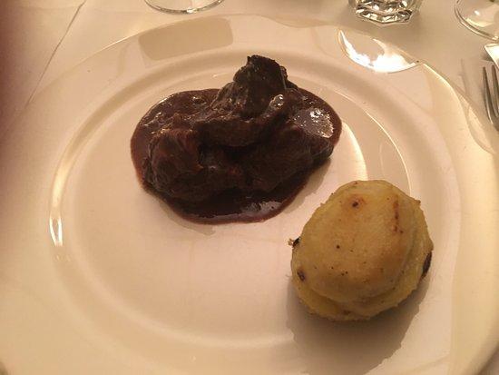 Verolavecchia, Italie : Brasato con polenta