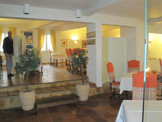 Hotel Restaurant du Midi Picture