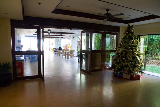 Microtel Inn & Suites by Wyndham Boracay: Lobby area