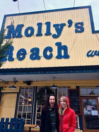 Molly's Reach Restaurant: photo1.jpg