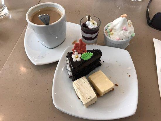 Boracay Regency Restaurant: photo0.jpg