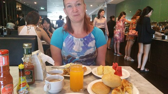 Bangkok City Hotel: завтрак