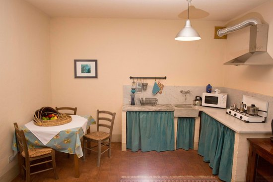 Filattiera, إيطاليا: Family Apartment Kitchen/Sala