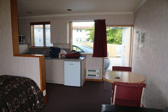 Lakeside Motel & Apartments: Kitchenette