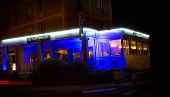 La capitainerie vernon restaurantanmeldelser tripadvisor for Exterieur nuit