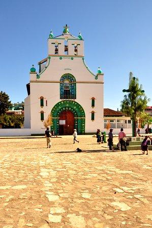 Iglesia de San Juan Chamula - Chiapas  fotografía de Plaza de la Paz ... 2a5213c7b081