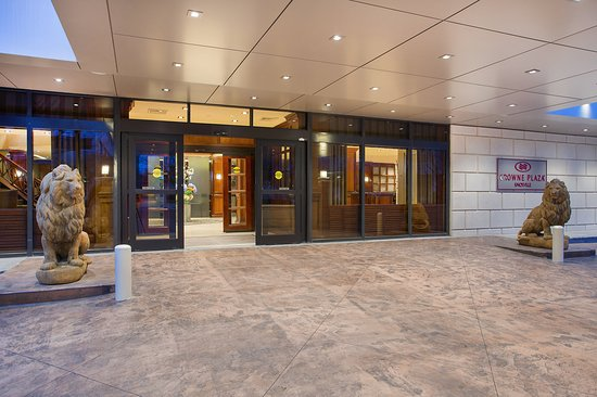 Crowne Plaza Knoxville: Exterior Feature
