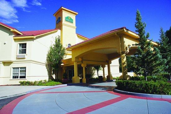 La Quinta Inn & Suites Flagstaff: Exterior