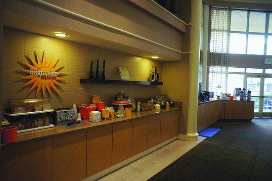 La Quinta Inn & Suites Flagstaff: Breakfast Bar
