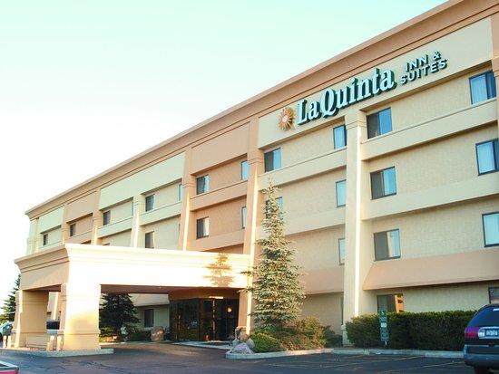 La Quinta Inn & Suites Chicago Gurnee: Exterior