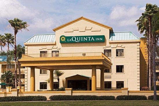La Quinta Inn Tampa Near Busch Gardens: Exterior