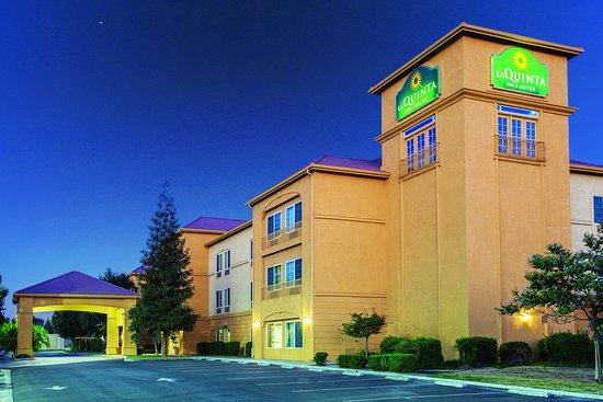 La Quinta Inn & Suites Bakersfield North: Exterior