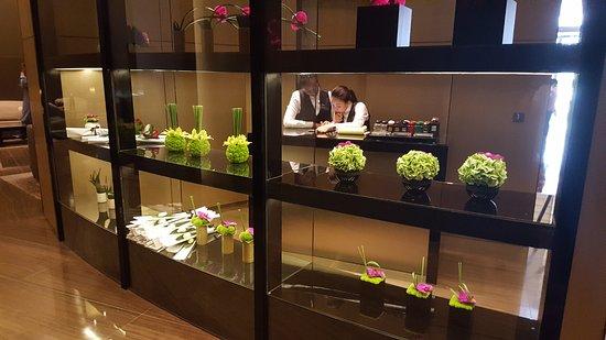 Lobby Flower Shop Picture Of Armani Hotel Dubai Dubai