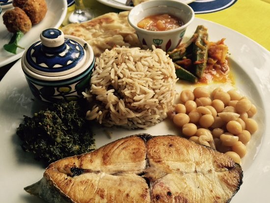 Monsoon Restaurant: Fresh KING FISH  catch of the day with Swahili side dishes