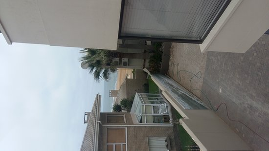Atlantic Villa Boutique Guesthouse: TA_IMG_20161229_133303_large.jpg
