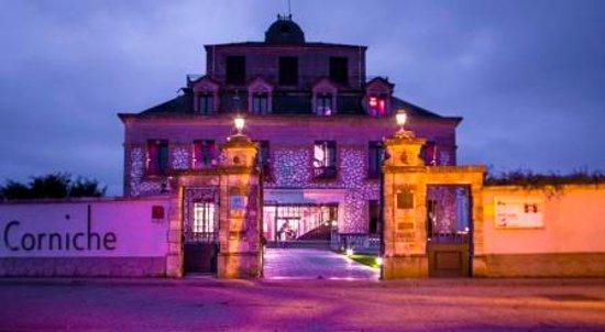 Rolleboise, Frankrig: ENTREE  MAUVE
