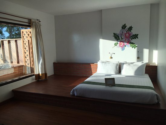 Thanakha Inle Hotel Nice Room Very Clean And Nicely Decorated Futon Mattress A